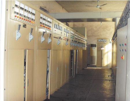 鑫泰石化配电室